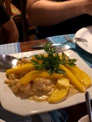 Creamy prawns with mango