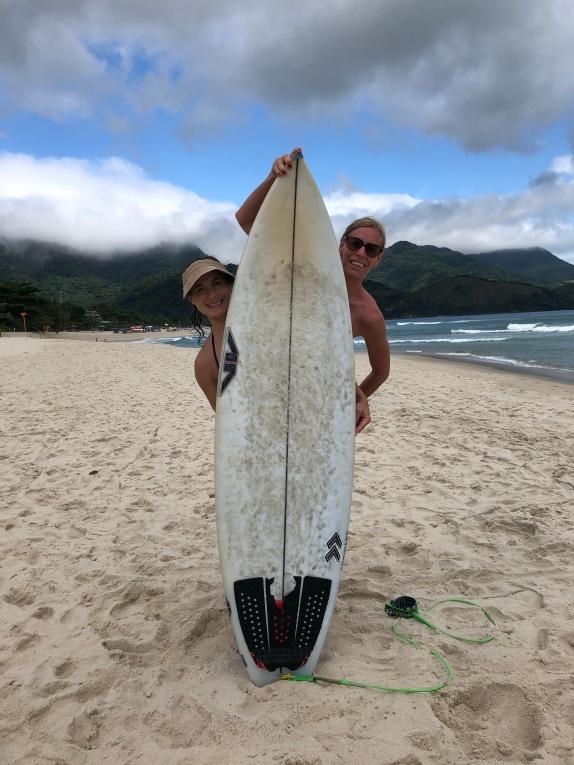 Peek-a-boo surfing